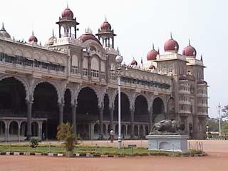 Mysore hotl.jpg (20406 bytes)