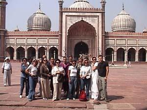 J Masjid Grp 1.jpg (25411 bytes)